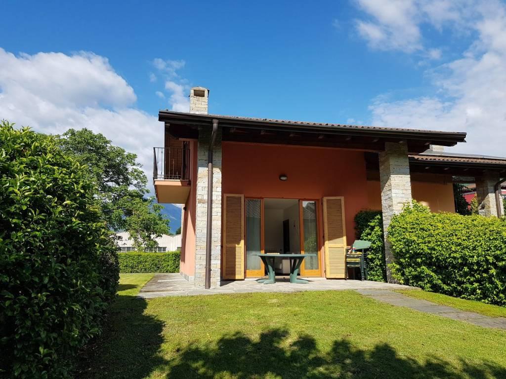 Villa in vendita a Colico, 3 locali, prezzo € 320.000 | CambioCasa.it