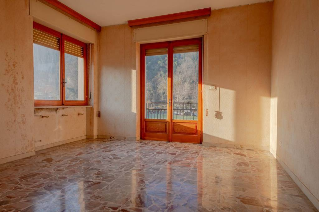 Appartamento in vendita a Cortemilia, 5 locali, prezzo € 60.000 | PortaleAgenzieImmobiliari.it