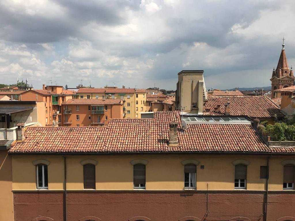 Foto 1 di Trilocale via del Borgo di San Pietro, Bologna (zona Irnerio)