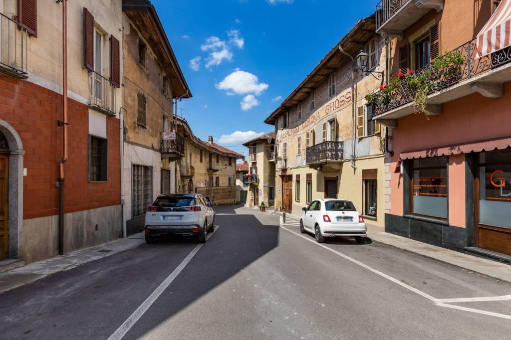 Foto 1 di Bilocale via Vittorio Veneto, Gassino Torinese