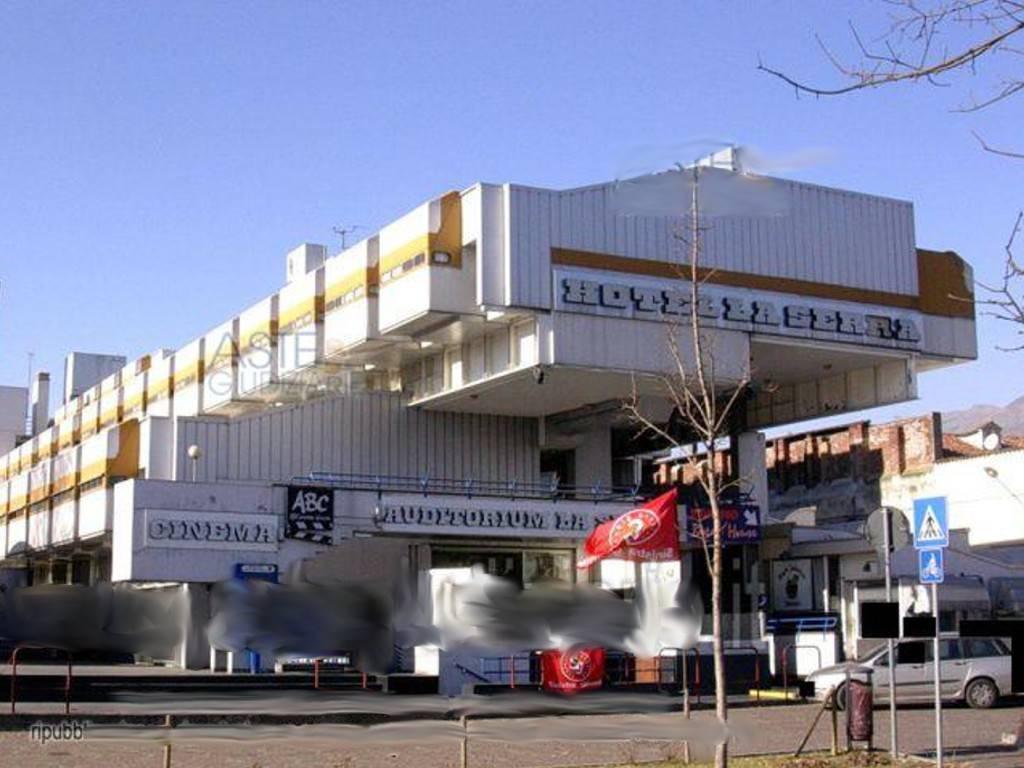 Palazzo / Stabile in Vendita a Ivrea