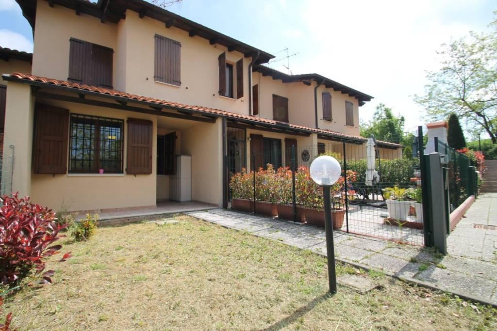 Foto 1 di Villetta a schiera via Zocchetta Vecchia, frazione Monteombraro, Zocca