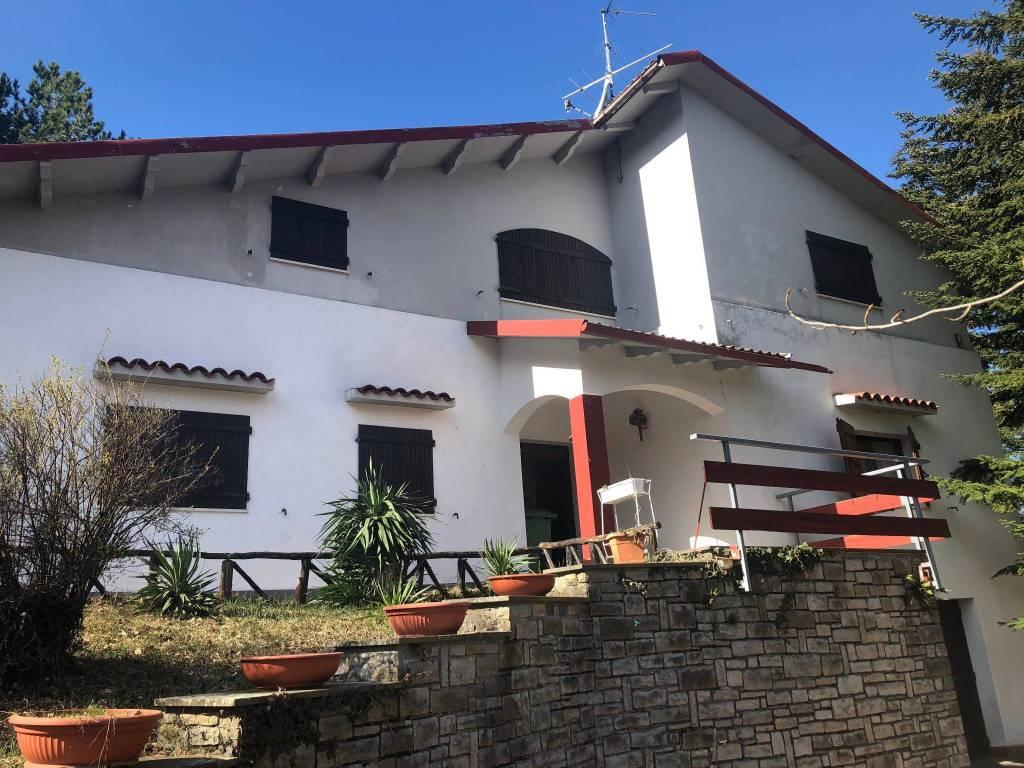 Foto 1 di Villa frazione Acquaria, Montecreto