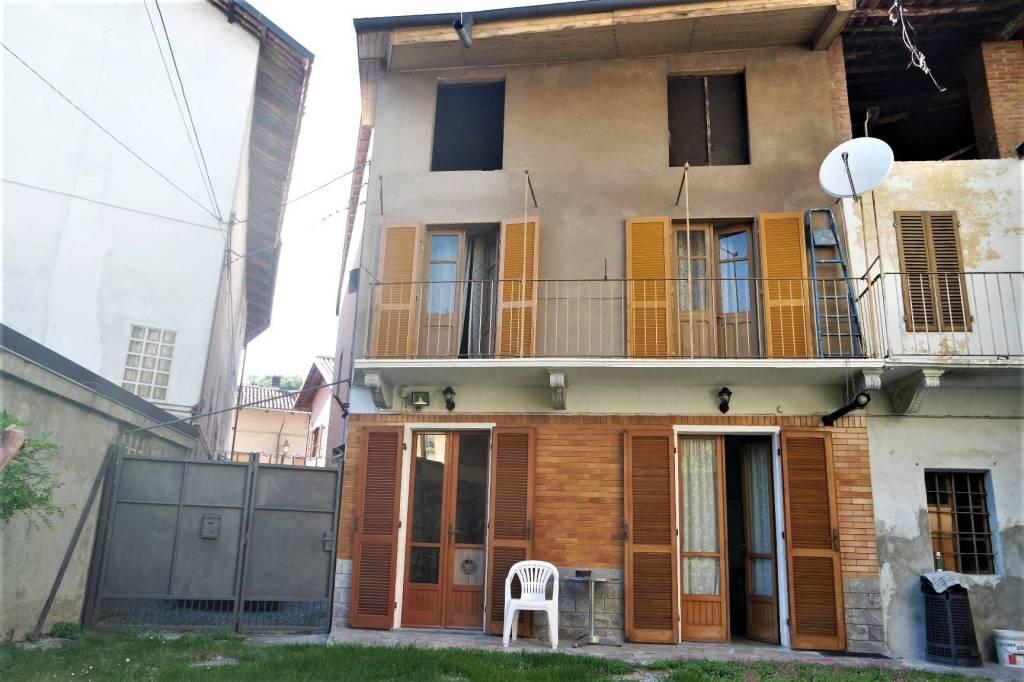 Foto 1 di Casa indipendente via Ivrea, Candia Canavese