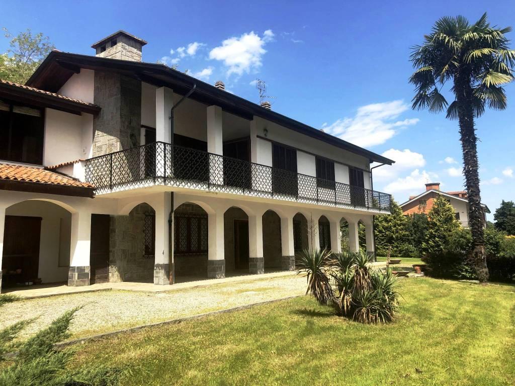 Foto 1 di Villa via Sotto Vigne 10, Romano Canavese