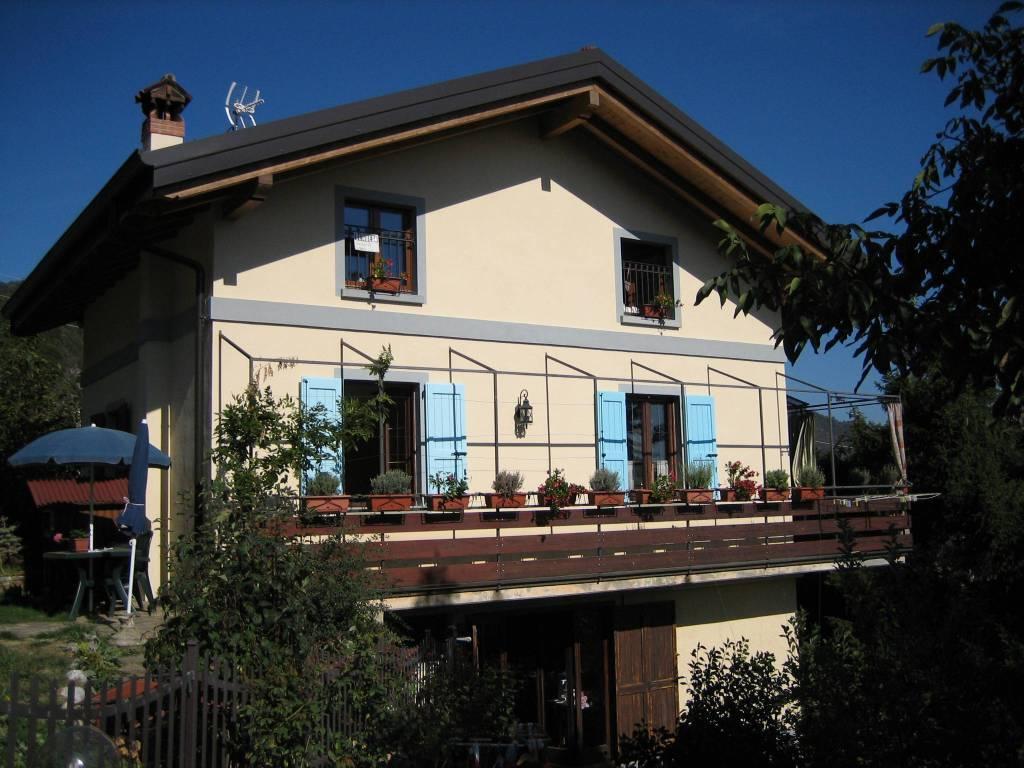 Villa in vendita a Alzano Lombardo, 6 locali, prezzo € 329.000 | PortaleAgenzieImmobiliari.it