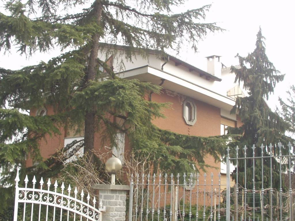 Appartamento in vendita a Chieri, 7 locali, prezzo € 156.000 | PortaleAgenzieImmobiliari.it