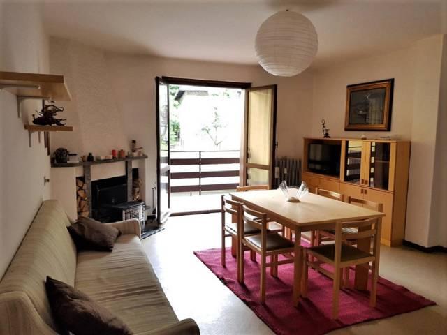 Appartamento in buone condizioni arredato in vendita Rif. 6679000