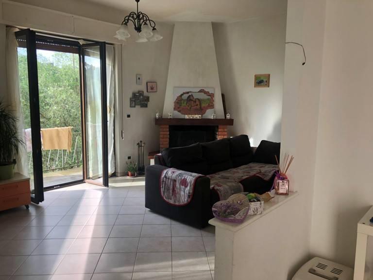 Appartamento in vendita a Vezzano Ligure, 5 locali, prezzo € 155.000 | PortaleAgenzieImmobiliari.it