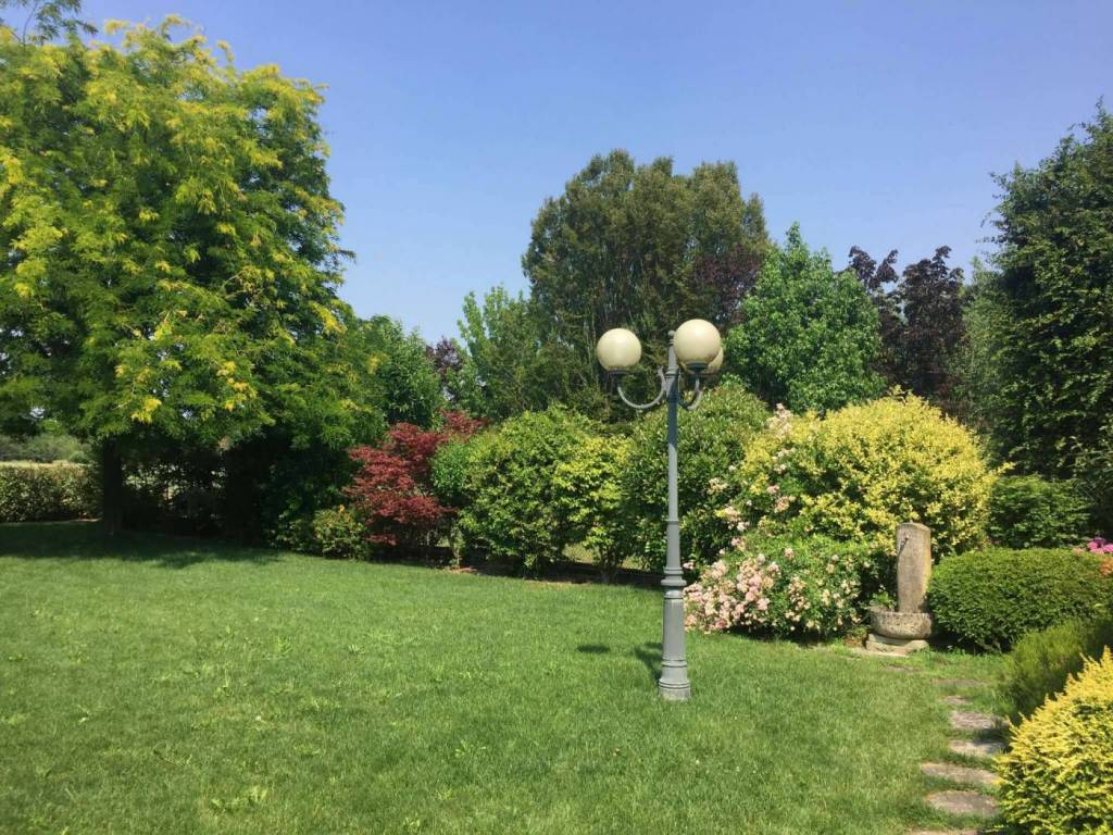 Villa in Vendita a Piacenza: 5 locali, 205 mq
