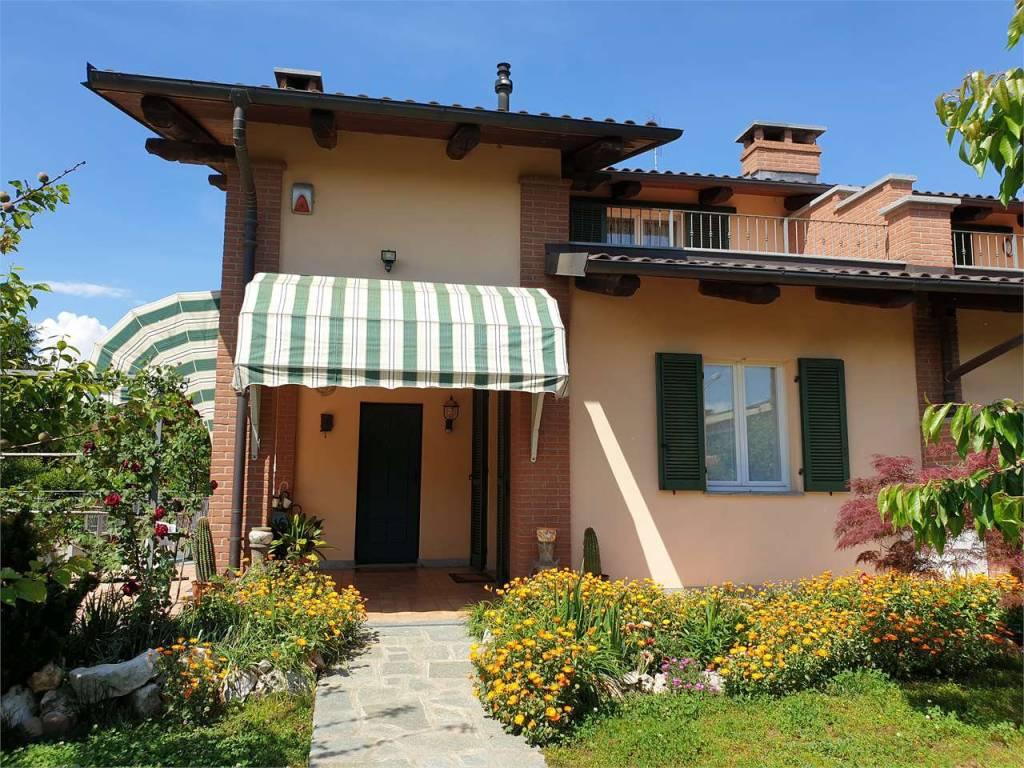 Foto 1 di Villa via Einaudi, 36, Cambiano