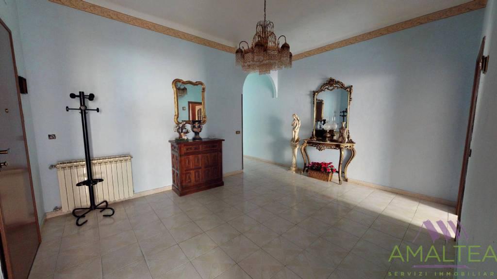 Foto 1 di Appartamento via Antonio Gramsci 65, Vado Ligure
