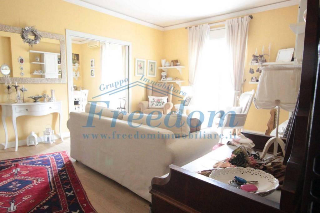 Appartamento in Vendita a Catania Centro: 3 locali, 93 mq