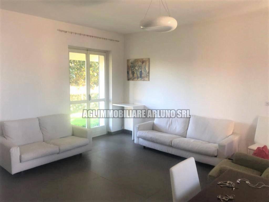 Villa in vendita a Magenta, 4 locali, prezzo € 400.000 | PortaleAgenzieImmobiliari.it