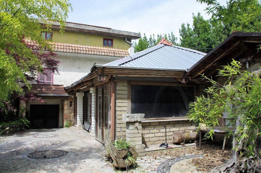 Villa in vendita a Cave, 6 locali, prezzo € 179.000   CambioCasa.it