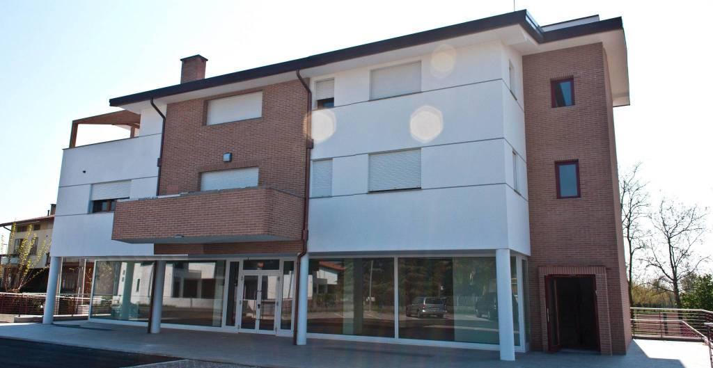 Negozio / Locale in vendita a Martignacco, 2 locali, prezzo € 390.000 | CambioCasa.it