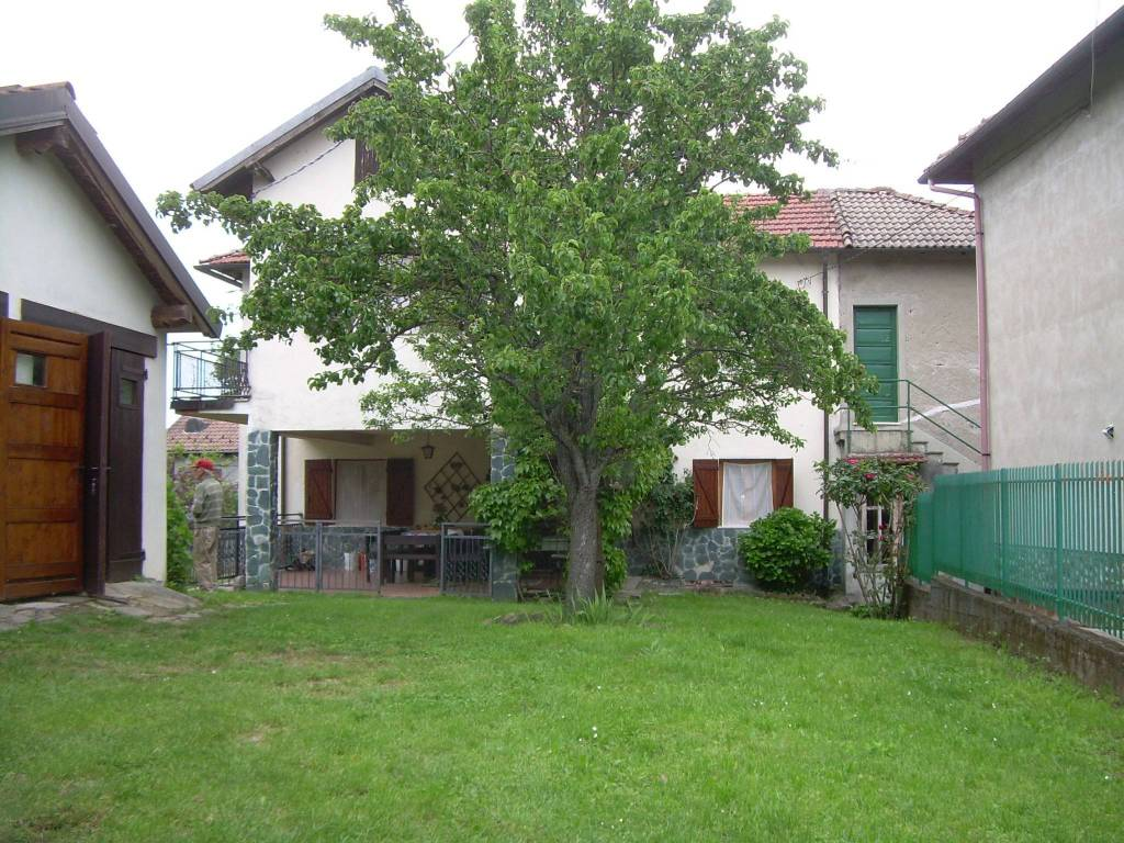 Villa in vendita a Lerma, 4 locali, prezzo € 150.000 | PortaleAgenzieImmobiliari.it