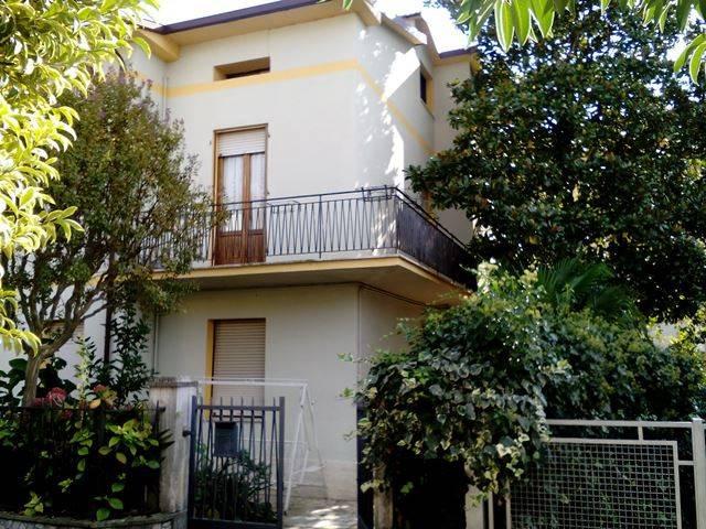 Villa in Vendita a Passignano Sul Trasimeno:  4 locali, 260 mq  - Foto 1