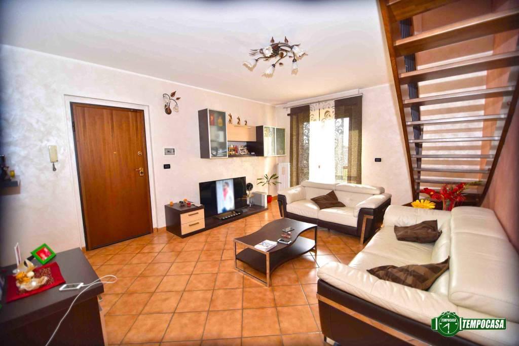 Foto 1 di Appartamento via MONTESANTO, Brandizzo