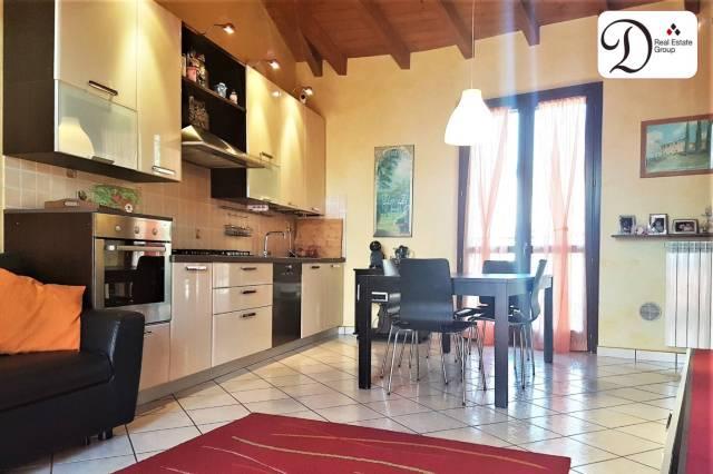 Appartamento in buone condizioni parzialmente arredato in vendita Rif. 6473276
