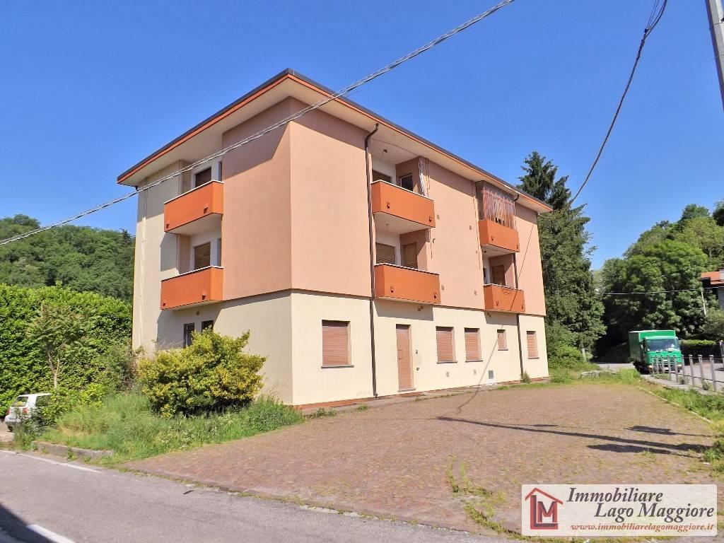 Palazzo / Stabile in vendita a Leggiuno, 20 locali, prezzo € 390.000 | PortaleAgenzieImmobiliari.it