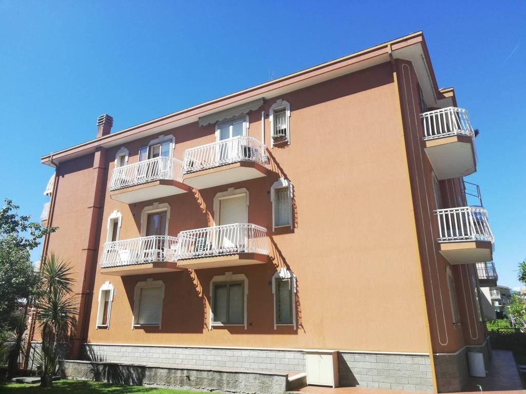 Foto 1 di Trilocale via Vittorio Veneto 14, Borgio Verezzi