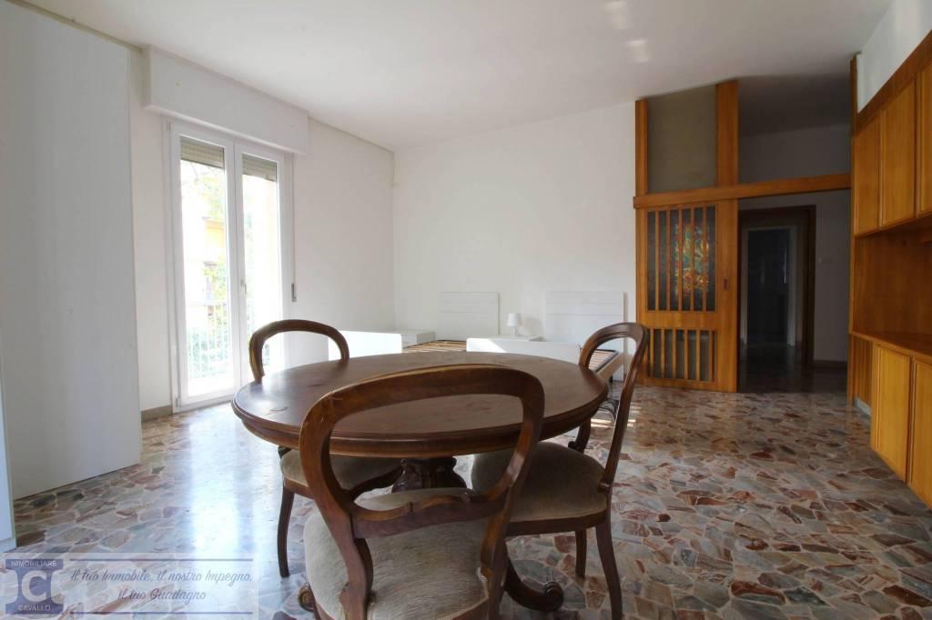 Foto 1 di Appartamento via Nino Bixio Scota, Bologna (zona Costa Saragozza/Saragozza)