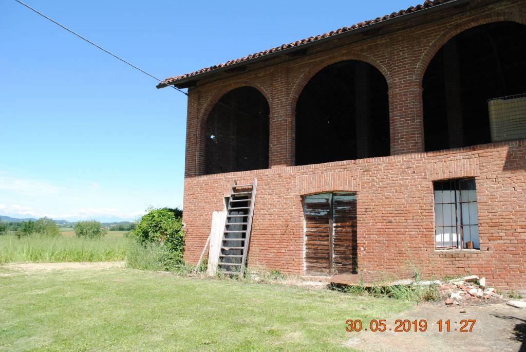 Foto 1 di Rustico / Casale via Riva, frazione Bausone, Moriondo Torinese