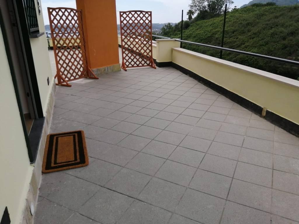 Appartamento in affitto a Pozzuoli, 2 locali, prezzo € 1.000 | CambioCasa.it