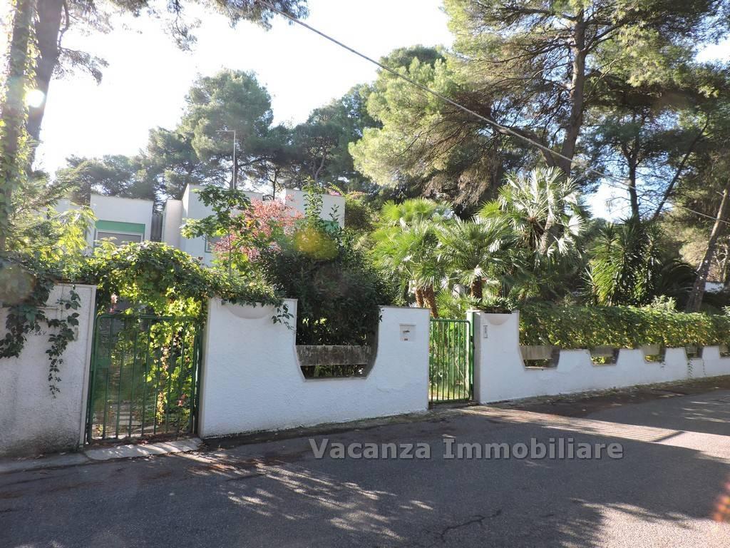 Foto 1 di Villetta a schiera via Tratturello Pineto, frazione Castellaneta Marina, Castellaneta
