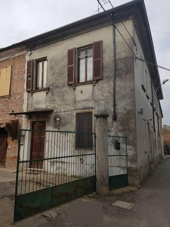 Villa in vendita a Torre de' Picenardi, 5 locali, prezzo € 55.000 | PortaleAgenzieImmobiliari.it