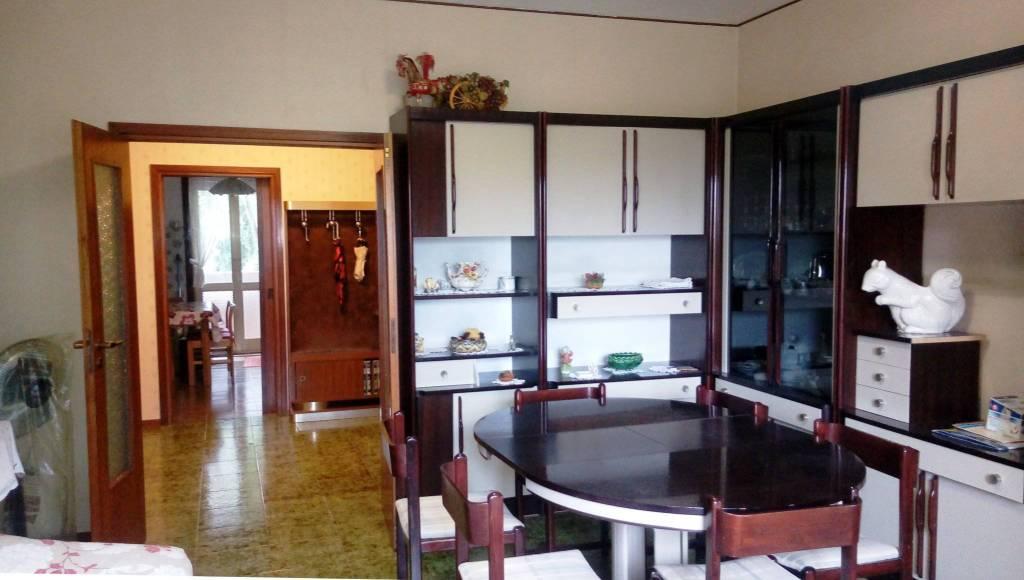 Appartamento in Vendita a Zola Predosa Centro: 4 locali, 120 mq