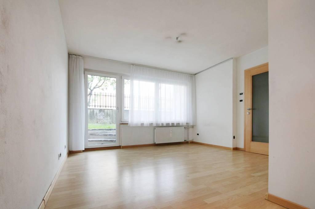 Appartamento in buone condizioni parzialmente arredato in vendita Rif. 8590286