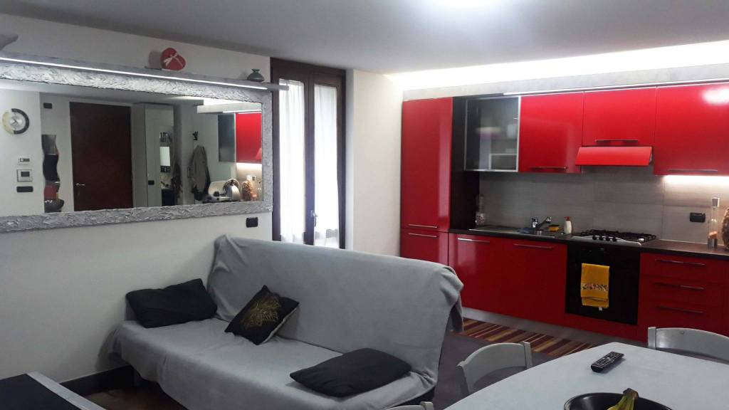 Villa in vendita a Viggiù, 5 locali, prezzo € 450.000 | PortaleAgenzieImmobiliari.it