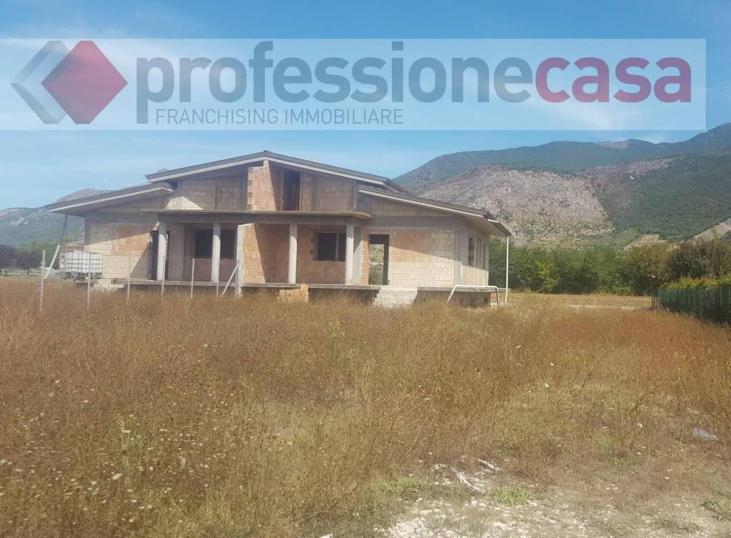 Villa in vendita a Aquino, 4 locali, prezzo € 95.000 | CambioCasa.it