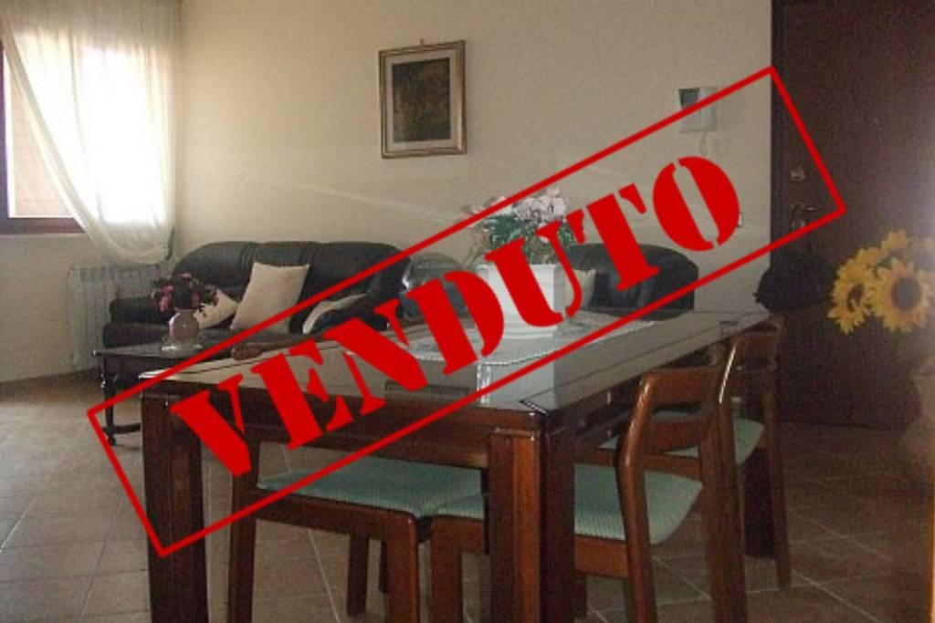 Appartamento in ottime condizioni arredato in vendita Rif. 9182516