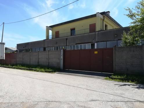 Capannone in vendita a Creazzo, 1 locali, prezzo € 650.000   CambioCasa.it