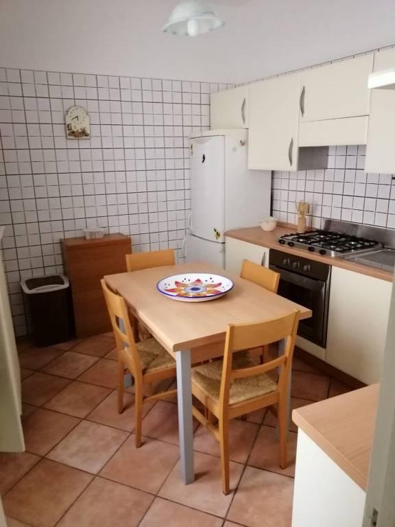 Appartamento in Affitto a Lecce Centro: 4 locali, 95 mq