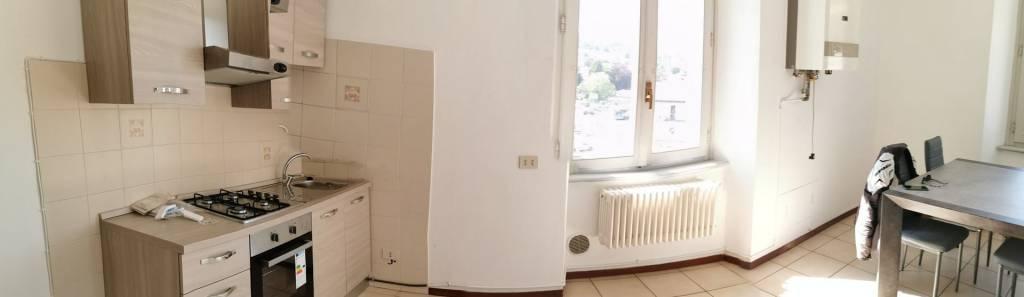 Appartamento in buone condizioni in affitto Rif. 6785930