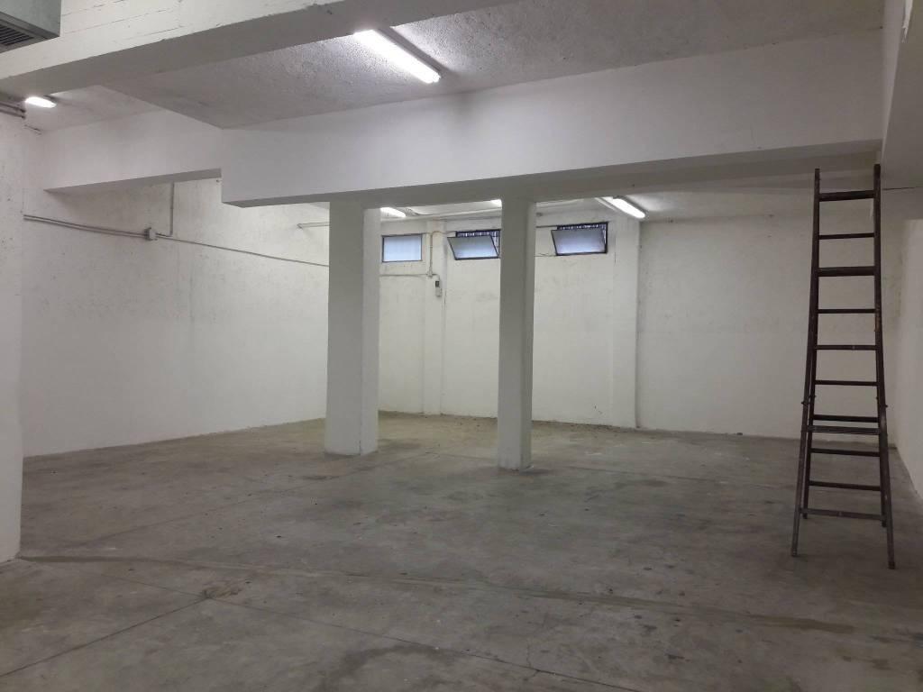 Laboratorio in affitto a Roma, 1 locali, zona Zona: 38 . Acilia, Vitinia, Infernetto, Axa, Casal Palocco, Madonnetta, prezzo € 2.900 | CambioCasa.it