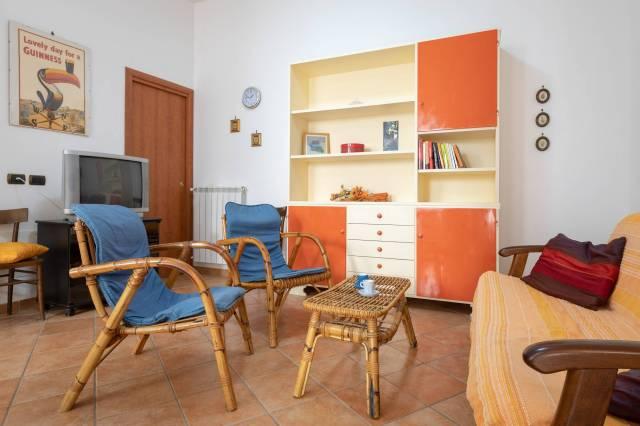 Appartamento in buone condizioni in affitto Rif. 6643920