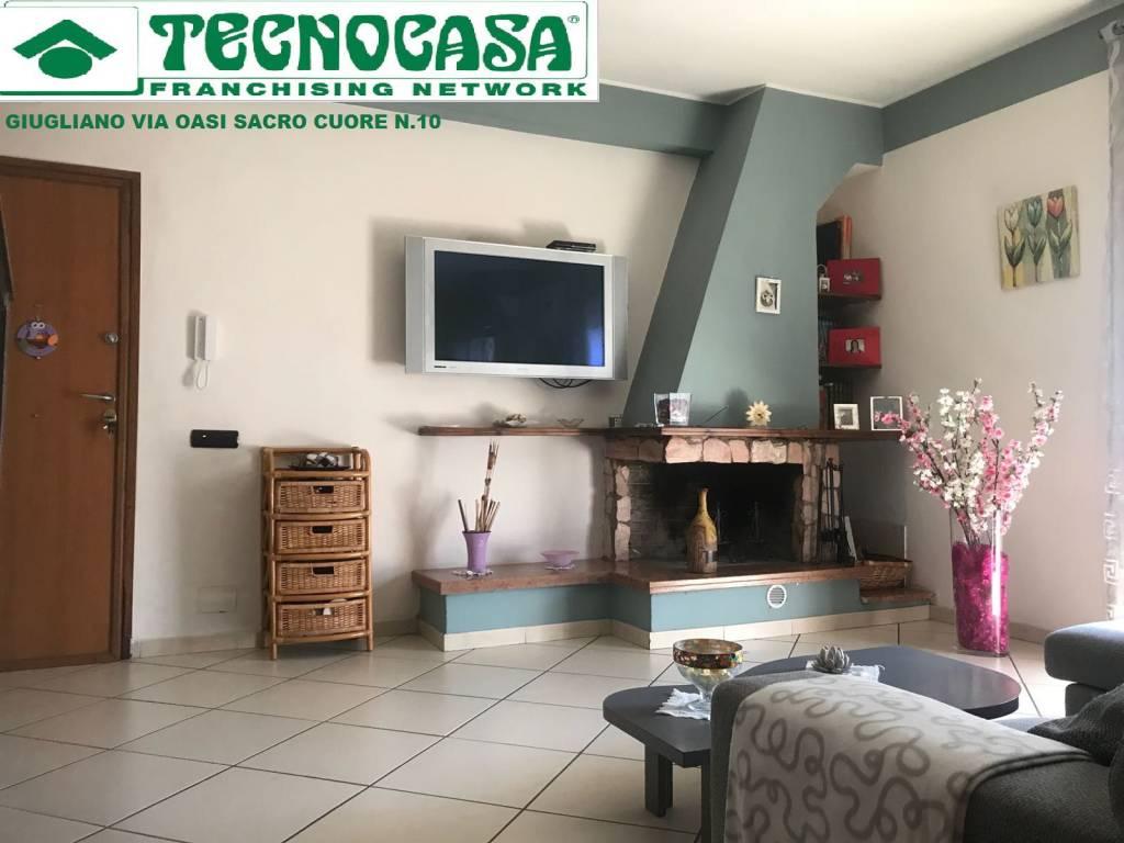 Appartamento in buone condizioni in vendita Rif. 9226298