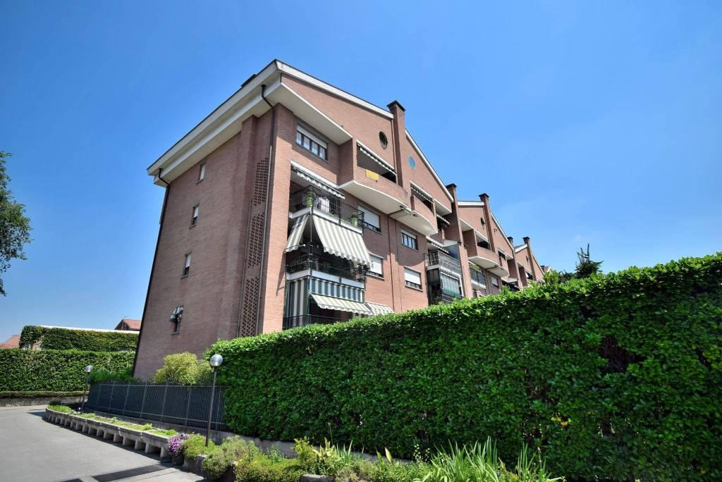 Appartamento in ottime condizioni in vendita Rif. 8914709