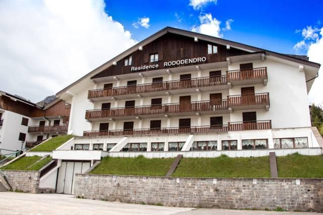 Appartamento in buone condizioni arredato in vendita Rif. 4289917