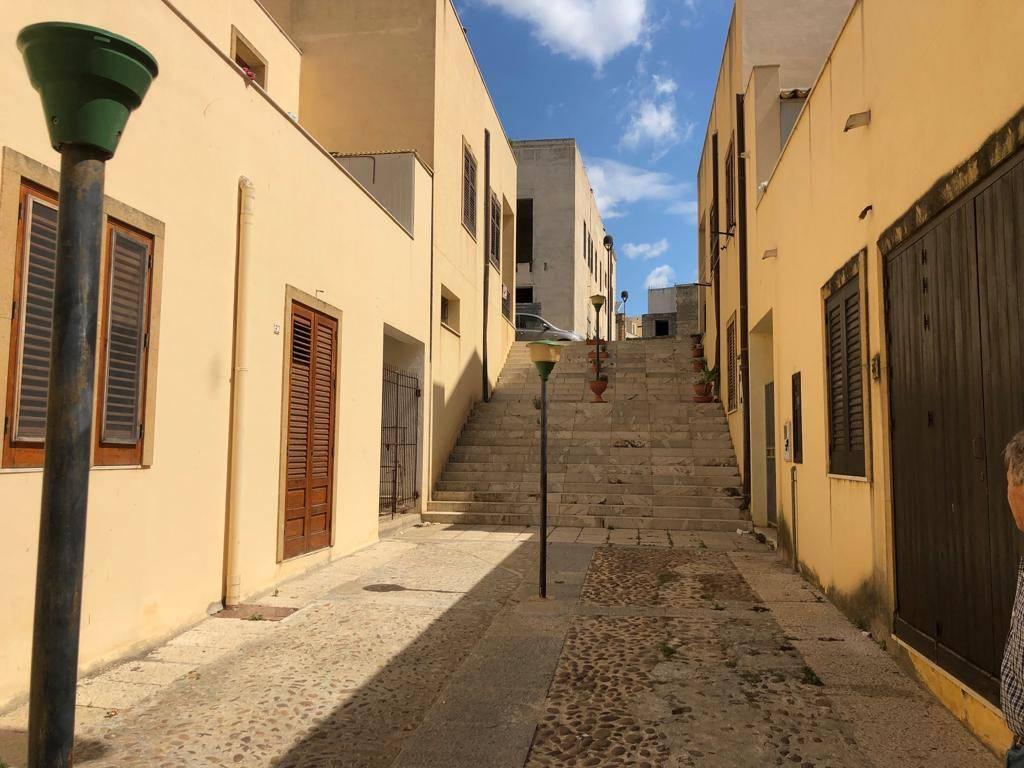 Appartamento in Affitto a Menfi: 4 locali, 140 mq