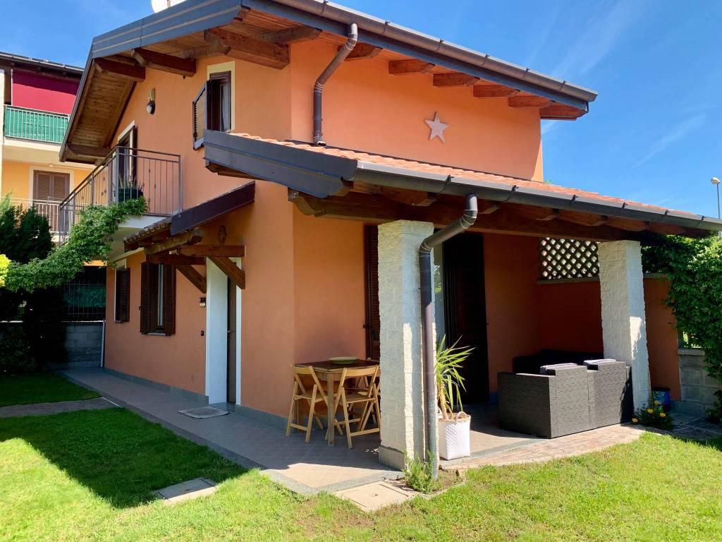 Villa in vendita via Cesare Pavese Borgo Ticino