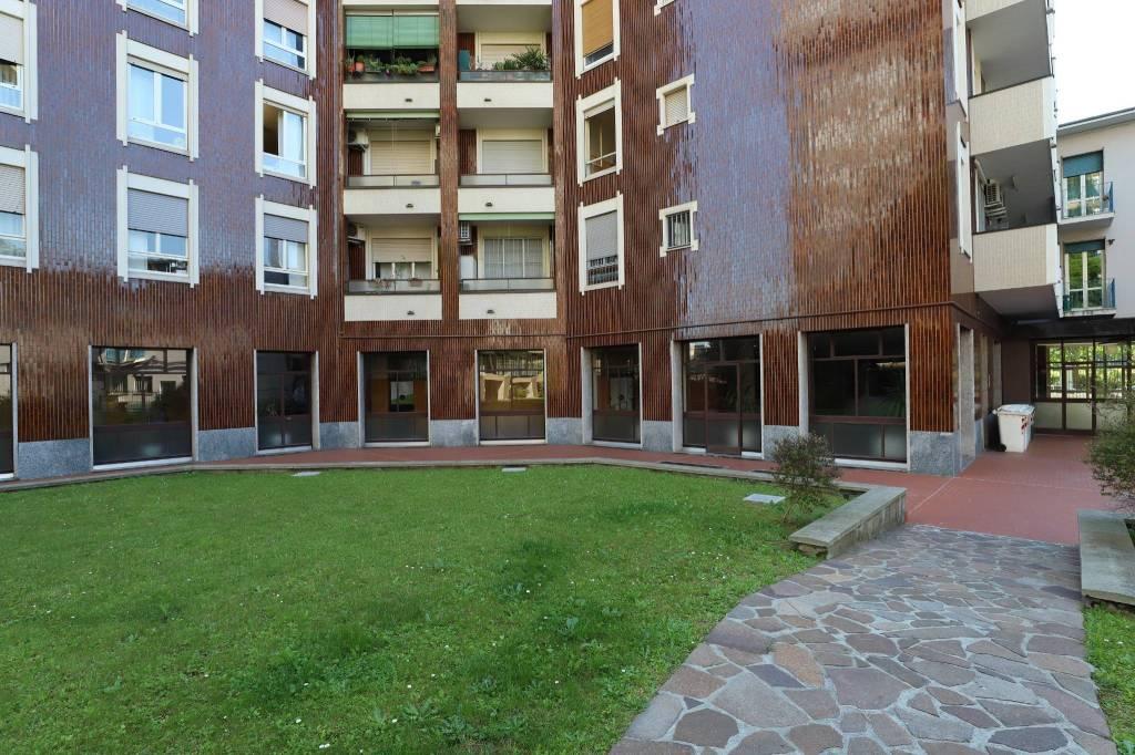 Appartamento in buone condizioni arredato in affitto Rif. 8674705