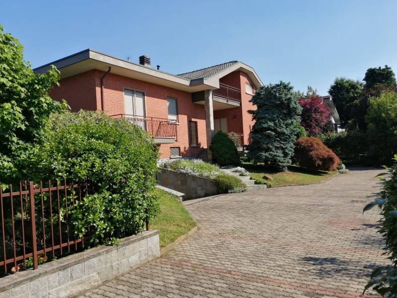 Foto 1 di Villa via TORINO, 78/1, San Francesco Al Campo