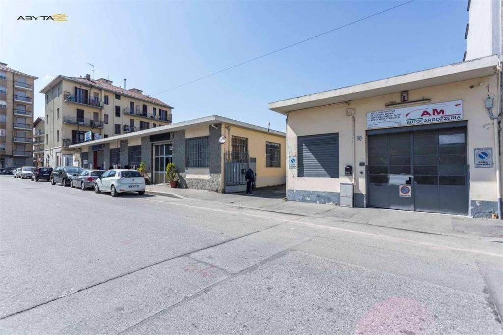 Foto 1 di Palazzo / Stabile via Lanzo, Torino (zona Madonna di Campagna, Borgo Vittoria, Barriera di Lanzo)