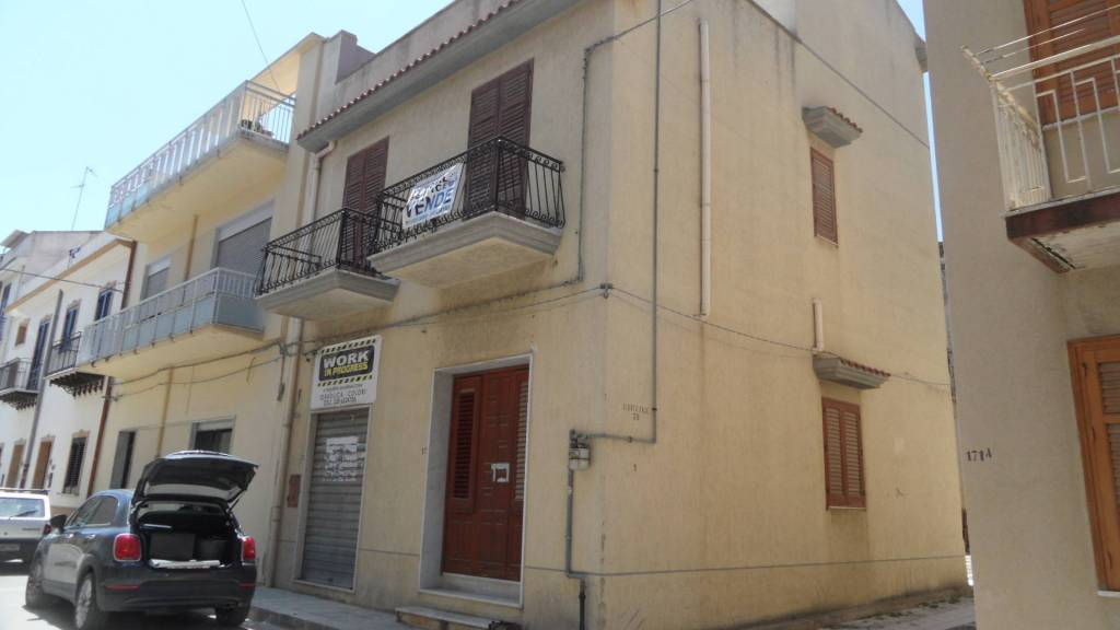 Appartamento in Vendita a Menfi: 4 locali, 140 mq